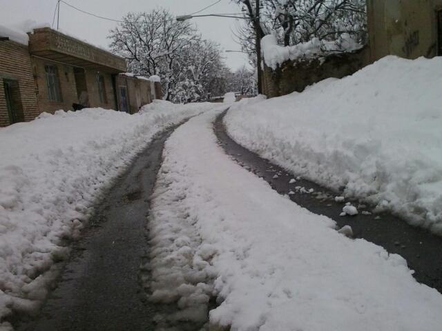 برف در روستای ننیز علیا